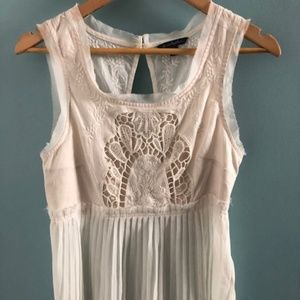 AE White Detailed Top Size Small